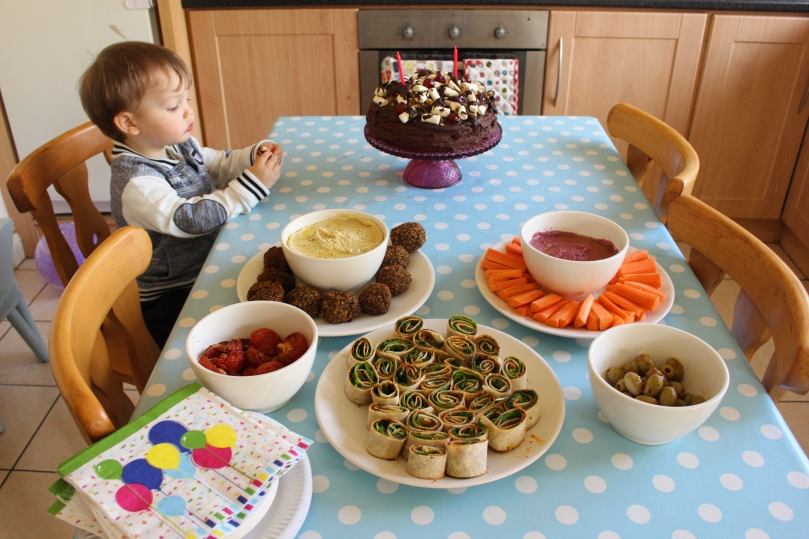 So What Does A Vegan 2 Year Old Eat For Their Birthday Party Well Mostly Marshmallows Oran Had Fun Stealing From The Cake While I Took Photos