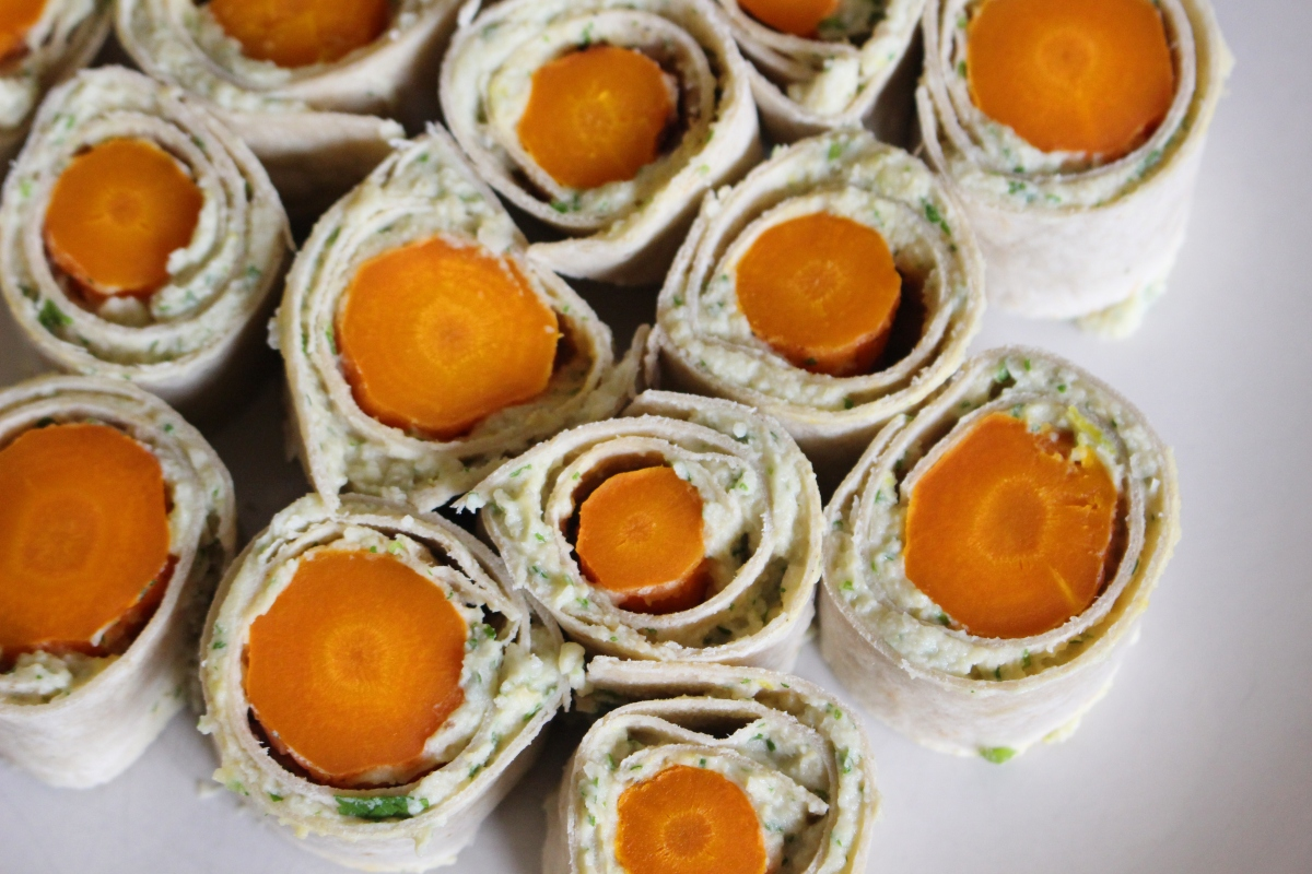Roasted Carrot and Houmous Roll-Ups